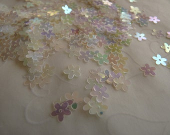 7g of 7 mm 5 Petals Flower Sequins in Clear Iridescent Color