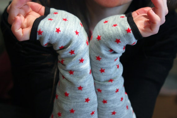 Cuff mittens gray star red wool, lined in cotton jersey. Long mittens