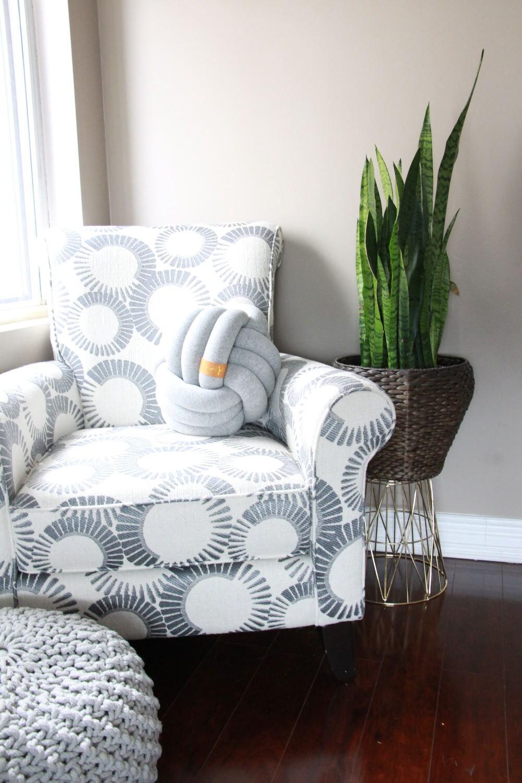 gro es licht grau knoten kissen knoten kissen kinderzimmer. Black Bedroom Furniture Sets. Home Design Ideas