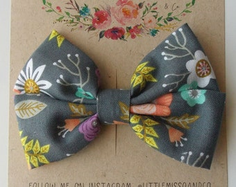 Piper Double Bow in Gray Floral