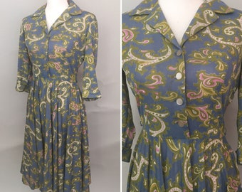 Small late 1950s early 1960s paisley shirtwaist dress