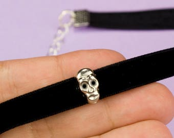 Skull Choker Necklace Black Suede Choker Retro 90s Accessories Choker Goth Necklace