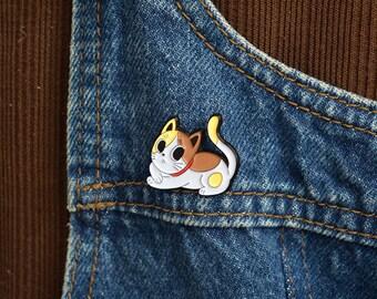 Crafty kitten soft enamel pin