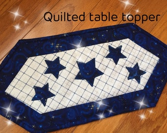 Quilted table topper, Quilted Table runner,Candle mats quilted.