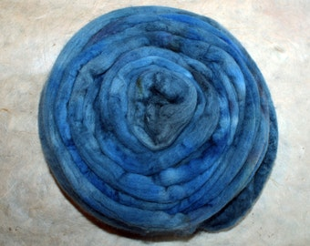 Hand-dyed Merino Wool 'Cielo' - combed tops