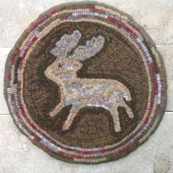 "Rug Hooking Pattern, Woodland Deer Chair Pad or Table Mat, 14"" Round, J755"
