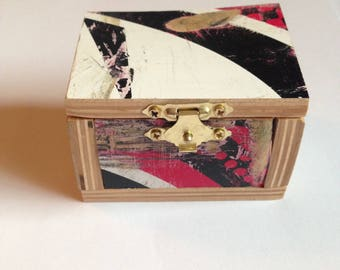 Recycled jewelry box Etsy