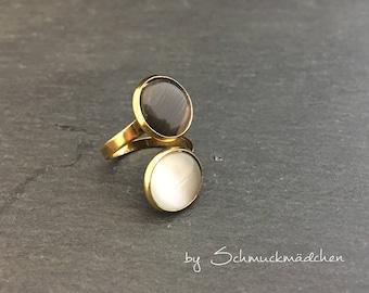 Ring gold white black