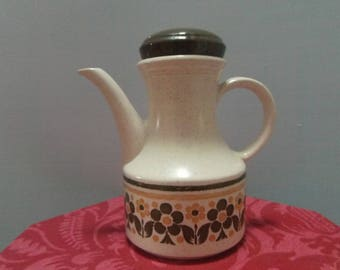 Retro Biltons ironstone teapot in excellent condition