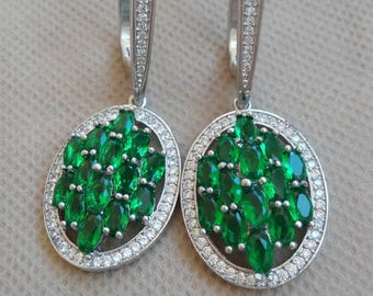 Elegant earrings with emeralds and sapphires vintage