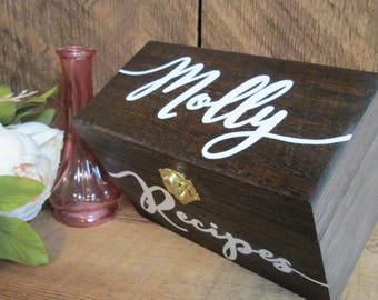 Recipe box, recipe holder, custom recipe box, bridal shower gift, gift for mom, housewarming gift, grandmother gift, personalized recipe box