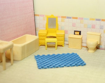 Marx dollhouse bathroom furniture,  1:24 or 1/2 inch scale, Hard plastic with vanity, stool and rubber rug for tin litho dollhouse