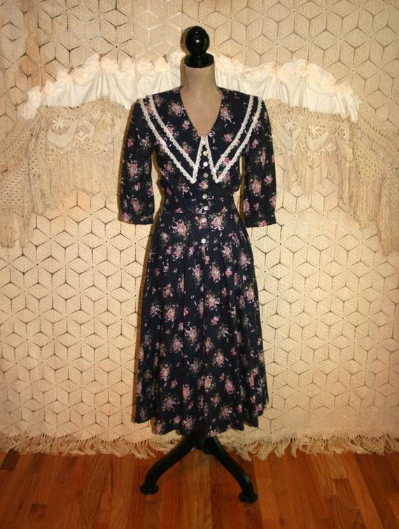 Calico Dress Granny Dress 70s Dress 80s Dress Floral Cotton