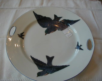 Lovely 10 inch Blue Bird plate in very good condition.  Cute little handles on each side.
