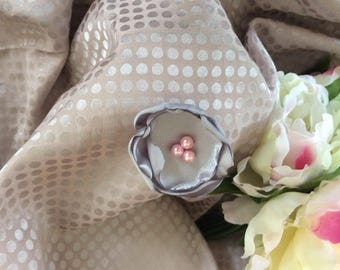 Flower 5 cm grey Satin with pearls