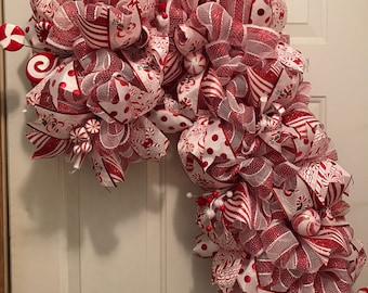 Candy cane wreath, Christmas wreath, candy cane, red and white Christmas Wreath, Ready to ship!