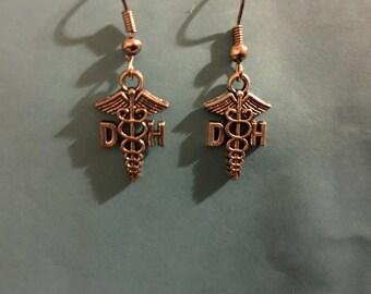 Silvetone DH dental hygenist caduceus medical symbol earrings   I4