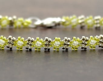 Green Ankle Bracelet - Beaded Chain Anklet - Daisy Chain Jewelry - Summer Foot Jewelry - Beach Anklet - Silver and Green