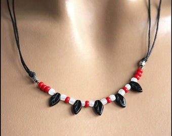 1 row red black white necklace