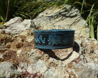 blue painted leather cuff/womans leather cuff bracelet/flower bracelet/leather jewelry/girls bracelet/upcycled leather cuff/floral cuff/C166