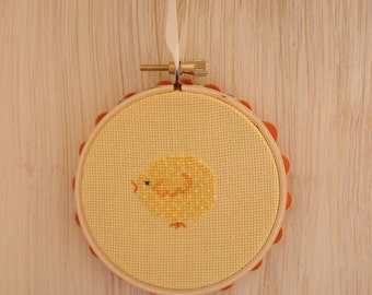 Baby Chick Cross Stitch Mini Hoop Decoration - Perfect for Spring, Easter, or Baby's Room