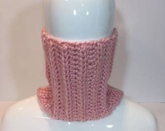 Chunky Crochet Neck Warmer, pink