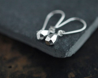 Mini faceted droplet dangle silver earrings