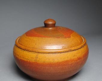 Clay Lidded Casserole Baking Dish Red Orange A15