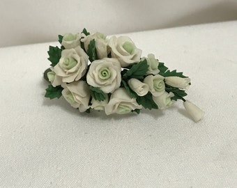 "Dollhouse Miniature 1"" Scale White Rose Bouquet"