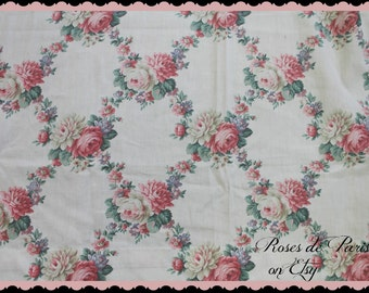 SALE!  vintage barkcloth era drapes 4 avail  Romantic wreaths of PINK roses  lattice look  RARE pattern  Gorgeous curtains!