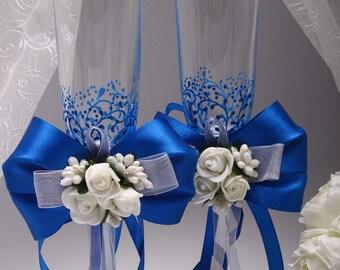 Toasting flutes Royal blue wedding Wedding toasting glasses Royal blue wedding ideas Royal blue and white wedding Cheap toasting flutes