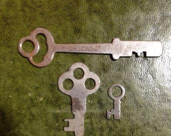 Three Vintage Keys ~ Old Antique Steel Keys -  3 Inch Key - 1 1/2 Inch Key -  3/4 Inch Key Nice Patina - Chicago Key