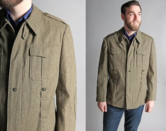 Vintage Men's Military Jacket - Mint Condition Coat Outerwear 1960's 1970's Army Wool Cargo Menswear Olive Green Fall Winter - Size Medium