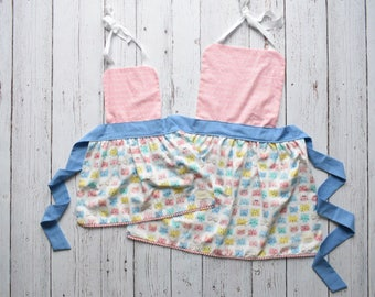 Mommy and Me Apron Set - Kitty Cat Apron Set - Mother Daughter Apron Set