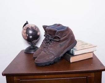 Vintage Nike Shoes \\ Nike Hiking Boots \\ Nike Sneakers \\ 90s Shoes. Vintage  Nike Shoes \\ Nike ...