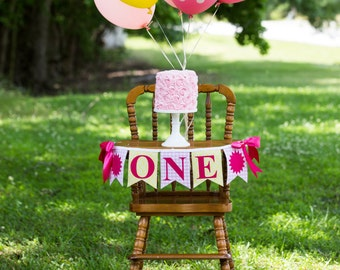 YOU are my SUNSHINE BANNER / 1st birthday girl / First birthday girl / You are my sunshine birthday. One high chair banner. Highchair banner