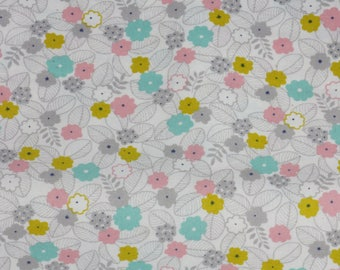 Coupon 50 x 52 cm cotton coated little skip white flower field