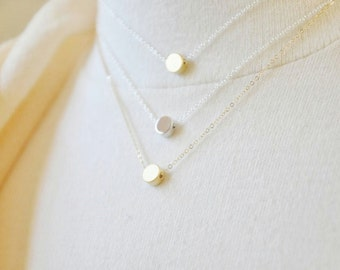 Silver Dot Necklace/ Tiny Circle Necklace/ Round Charm Necklace/ Layering Necklace/ Minimal Necklace/ Everyday Necklace/ Dainty Necklace
