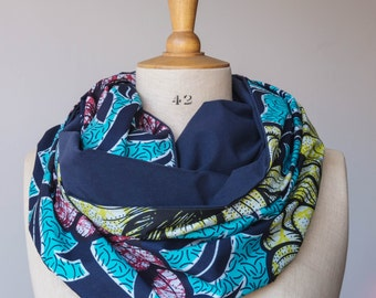 """Circle scarf with wax """"red en yellow flowers"""" and cotton jersey """"blue"""""""