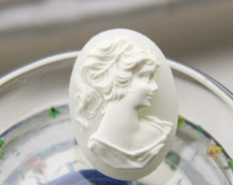 12 pcs of resin vintage cameo 18x25mm -0486-cream
