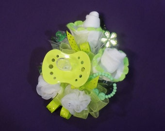 Pin On Baby Shower Corsage - Pin On Corsage - White/Green Baby Socks Corsage