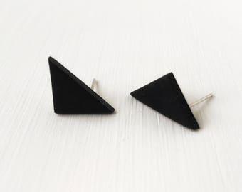 Black triangle earrings, minimalist jewelry, black jewelry, clay stud earrings, hypoallergenic earrings, geometric