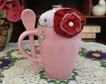 Mauve Stoneware Coffee Cup with Spoon in Handle, Vintage 1940's Hand Sewn Feedsack Fabric, Pincushion, Novelty Pin Keep, Crochet Flower