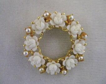 Vintage White Roses Pearls Goldtone Circle Pin Brooch