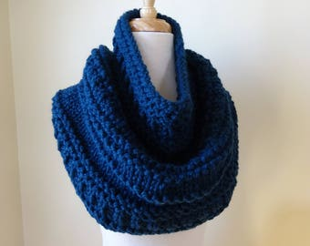Knit Cowl, Chunky  Cowl, Infinity Scarf, Circle Scarf, Neck Warmer, Snood, Textured Cowl in Petrol Blue - Ready to Ship Gift for Her