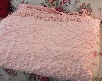 """PEACH CHENILLE BEDSPREAD vintage soft and fluffy 99"""" x 118""""  excellent condition"""