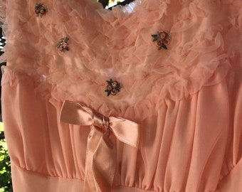 Goodbye Rain Sale Gorgeous 1960's Vintage Pennys Adonna Peach Nightgown