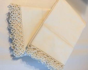 Vintage Crocheted Pillowcases Pair