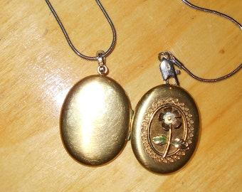 Vintage picture locket pendant 1970s jewelry, gold tone metal, patina
