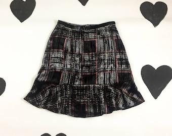 90's grunge crushed velvet plaid fluttery skirt 1990's drab high waist flared hem skirt / babe / preppy / shimmery / Kate Moss / L 29 w 10